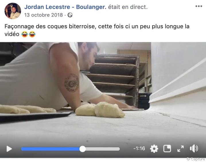 Jordan Lecestre, boulanger, montre en live le façonnage des coques biterroises, spécialité de Béziers